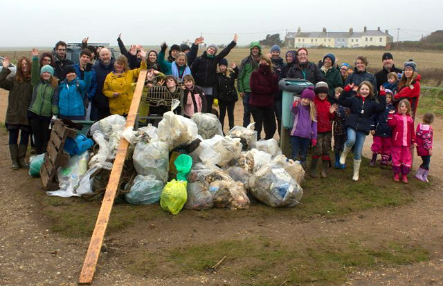 Compton Bay beach clean